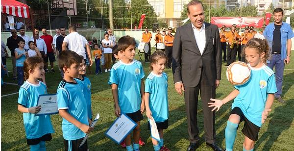 Büyükşehir Futbol Okuları sezonu kapattı.