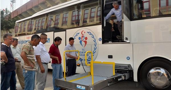 Bakanlıktan Adana'ya Engelli Otobüsü