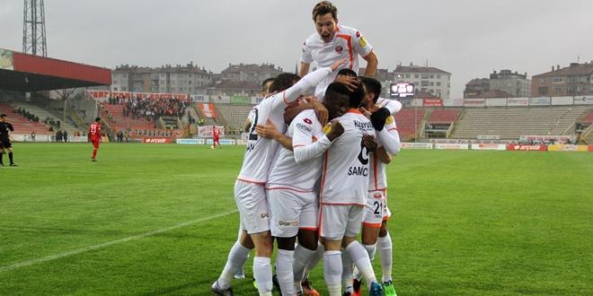 Adanaspor Süper Lig Yolunda