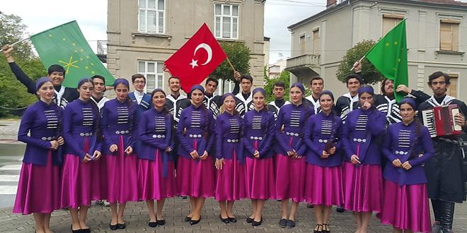 Adana Çerkes Derneği Makedonya çıkartması (4)