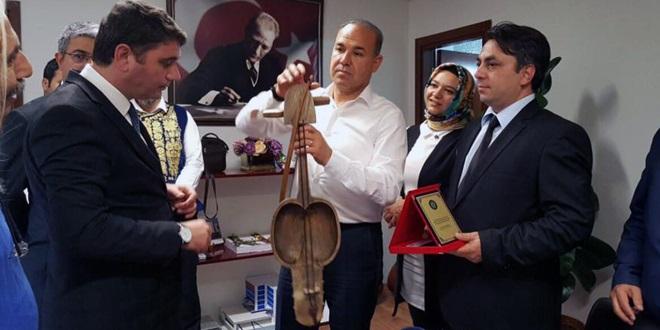 Adana Bağlama Dörtlüsüne Kazakistan'da ödül