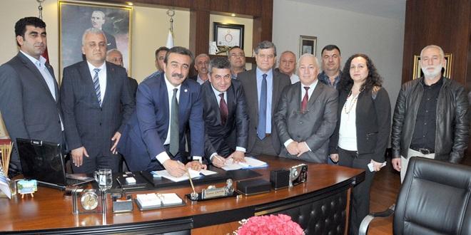 Çukurova'da Toplu İş Sözlemesi Sevinci