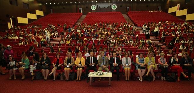 Adana'da Ebelik Öğrencileri Kongresi