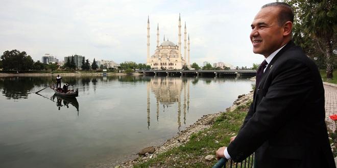 Norveç radyosunda Adana'yı anlattı