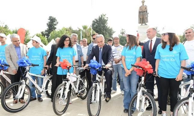 Adana'da Bin 208 Öğrenciye Bisiklet