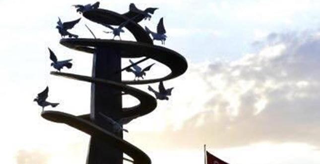 Adana'da  Barış Anıtı açıldı