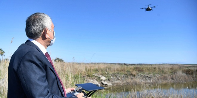 ADANA'DA SİVRİSİNEKLE MÜCADELEDE DRONLA İLAÇLAMA