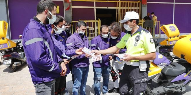 TRAFİK POLİSLERİNDEN KURYECİ DENETİMİ